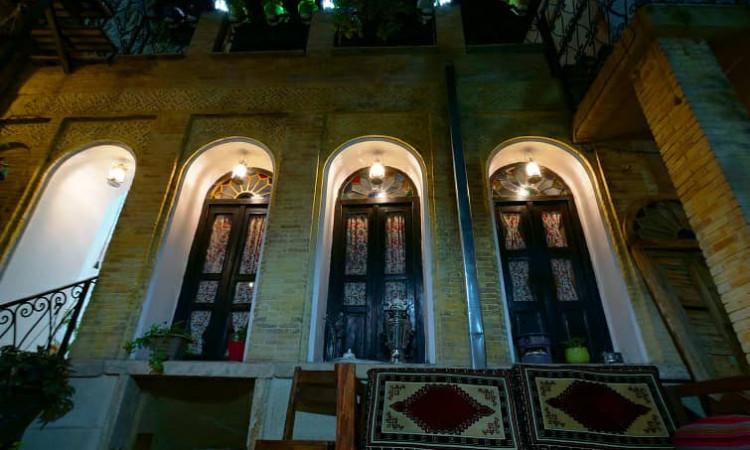 بوم گردی ترنجستان شیراز - سه دری