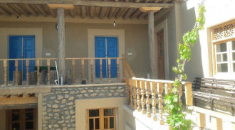 اقامتگاه بوم گردی قلعه مهرتوران