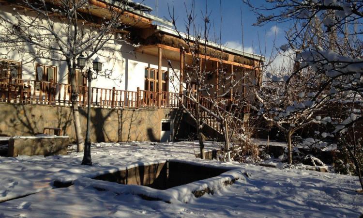 هتل سنتی خانه گل -رز