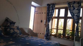 هتل سنتی خانه گل - نیلوفر و بنفشه