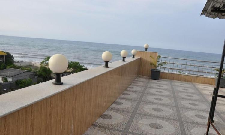 خانه مبله شیک با چشم انداز دریا