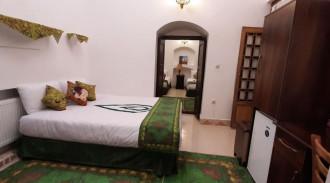 اقامتگاه سنتی پارسیک (سه تخته)