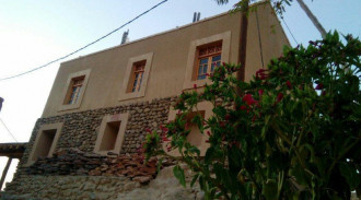 اقامتگاه بوم گردی قلعه مهرتوران (پنج نفره)